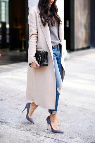 How to wear: beige coat, grey crew-neck sweater, blue ripped boyfriend jeans, violet suede pumps