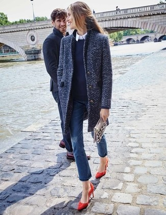 This pairing of a navy crew-neck sweater and blue jeans is very easy to do and so comfortable to wear all day long as well! Amp up the cool of your look by complementing it with red suede pumps. So when summer is done and fall is taking over, you'll find this getup to be your everything.