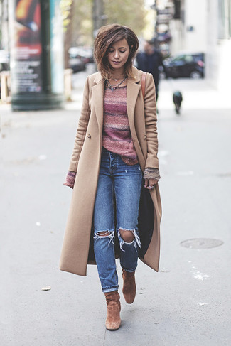 How to wear: beige coat, pink horizontal striped crew-neck sweater, blue ripped jeans, brown suede ankle boots