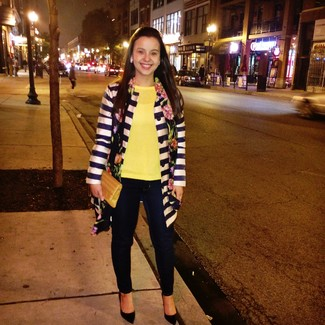 How to wear: navy and white horizontal striped coat, yellow crew-neck sweater, navy skinny jeans, black suede pumps