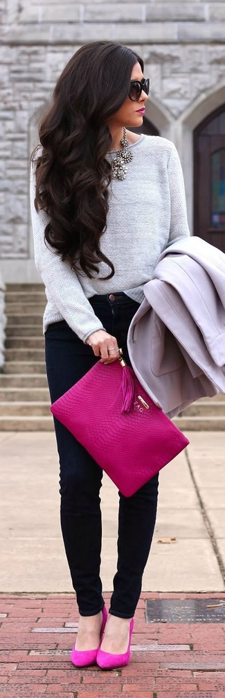 Dress in a grey coat and black slim jeans for a glam and trendy getup. Round off this look with neon pink suede pumps.