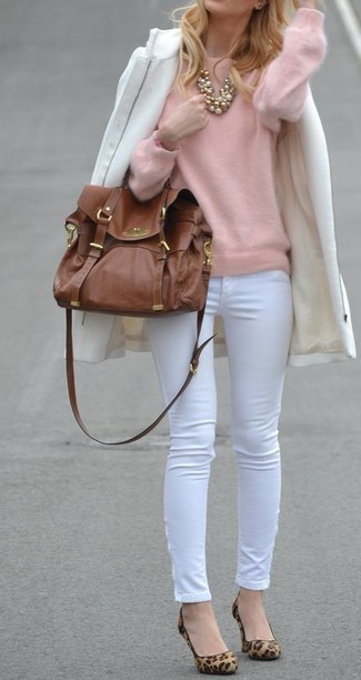 How to wear: white coat, pink crew-neck sweater, white skinny pants, tan leopard suede pumps