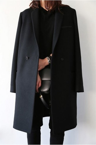 For a killer-meets-totally chic outfit, opt for a black coat and black skinny pants — these pieces fit nicely together.