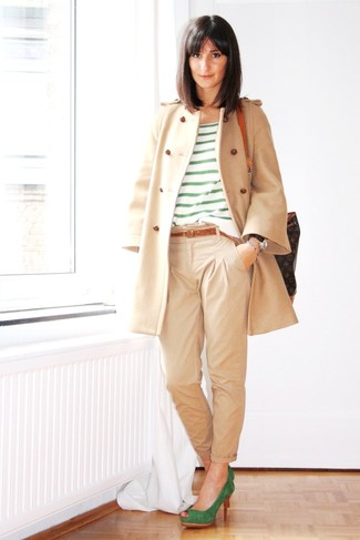 How to wear: beige coat, green horizontal striped crew-neck t-shirt, beige chinos, green suede pumps