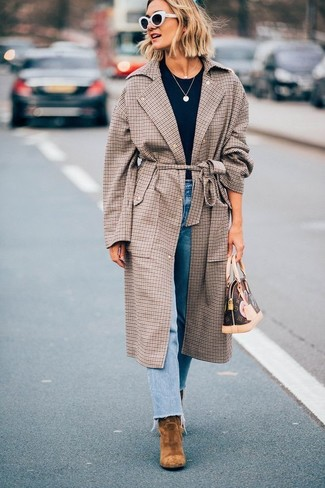 How to wear: brown check coat, navy crew-neck t-shirt, light blue jeans, brown suede ankle boots
