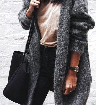 How to wear: grey coat, tan crew-neck t-shirt, black skinny jeans, black canvas tote bag