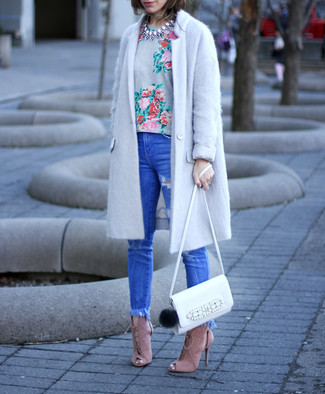 How to wear: grey coat, grey floral crew-neck t-shirt, blue ripped skinny jeans, pink suede heeled sandals