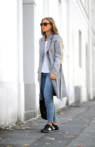 Women's Grey Coat, White Crew-neck T-shirt, Blue Skinny Jeans, Black and White Low Top Sneakers