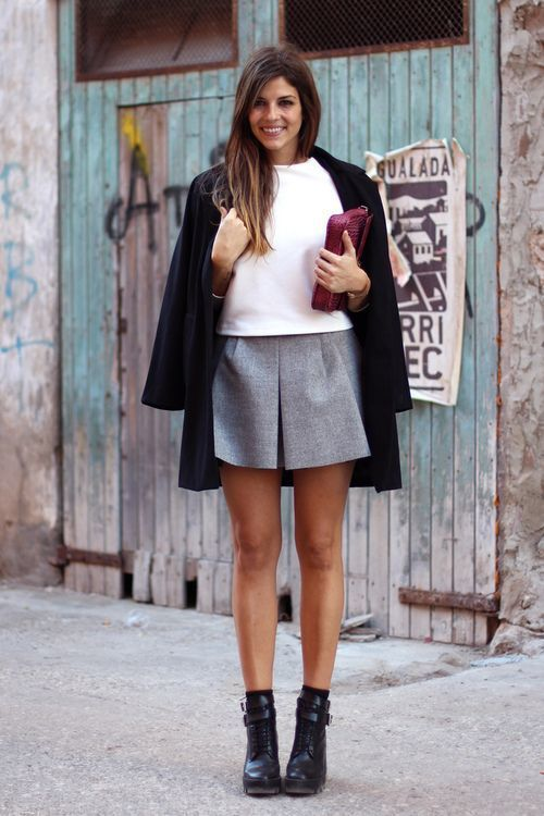 21519c52628 How to Wear a Grey Pleated Mini Skirt (5 looks   outfits)