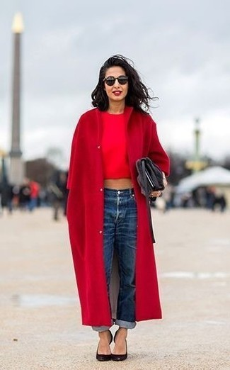How to wear: red coat, red cropped top, blue boyfriend jeans, black leather pumps