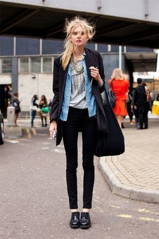 How to wear: black coat, blue denim shirt, grey print crew-neck t-shirt, black skinny jeans