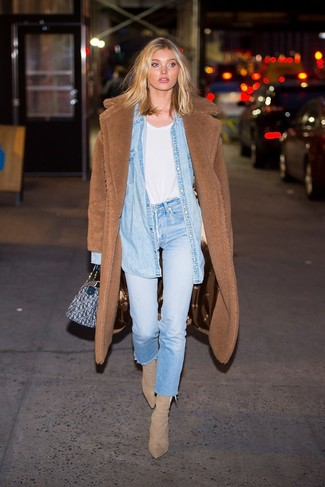 How to Wear a Light Blue Denim Shirt For Women: A light blue denim shirt and light blue jeans are the kind of a foolproof casual outfit that you so desperately need when you have no time to craft a look. Here's how to give this outfit a sense of sophistication: beige suede ankle boots.