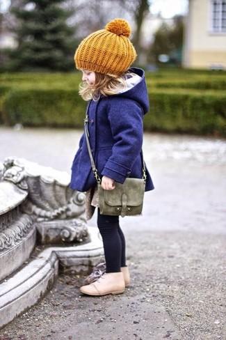 How to wear: navy coat, beige desert boots, olive bag, mustard beret