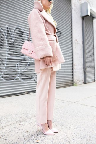 This combo of a pink coat and Valentino women's Rockstud Rivet Monochromatic Cat Eye Sunglasses is perfect for a night out or smart-casual occasions. A pair of pink leather pumps looks very appropriate here. So when spring is in the air, this outfit is likely to become your favorite.
