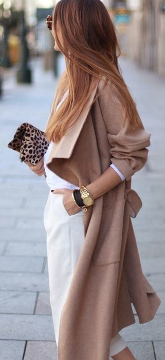 Tan Leopard Suede Clutch Dressy Spring Outfits: A camel coat and a tan leopard suede clutch are amazing staples that will integrate really well within your off-duty styling collection. If you're looking for a killer ensemble that transitions easily into spring, this is it.