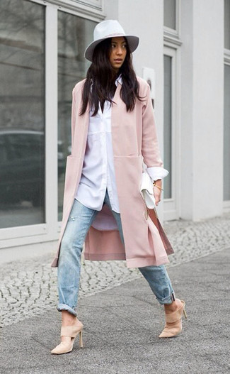 How to wear: pink coat, white dress shirt, light blue ripped jeans, beige suede mules