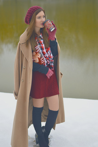 How to Wear Burgundy Gloves For Women: Loving how a camel coat matches with burgundy gloves. Hesitant about how to round off? Complete your look with black suede ankle boots to boost the chic factor.