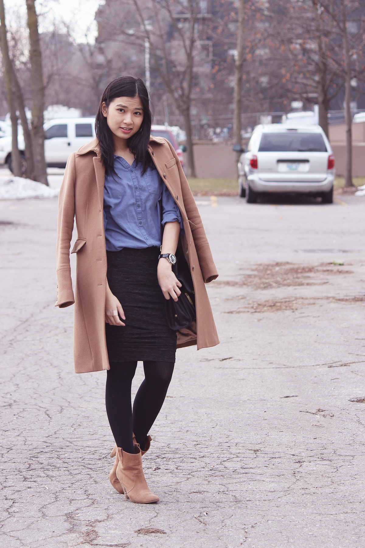 how to wear ankle rain boots skirt