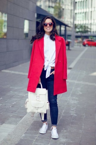 How to wear: red coat, white dress shirt, navy skinny jeans, white canvas low top sneakers