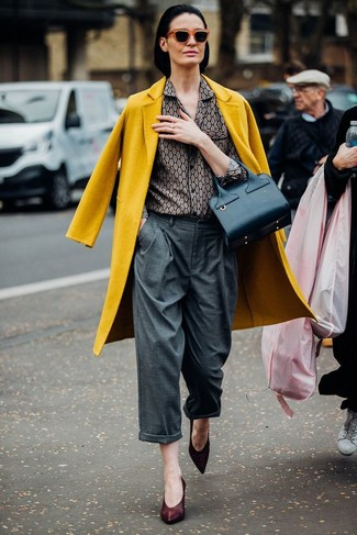 How to wear: mustard coat, grey print dress shirt, grey wide leg pants, burgundy leather pumps