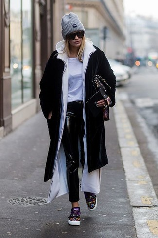 How to wear: black coat, white hoodie, white crew-neck t-shirt, black leather skinny jeans