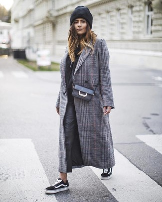 How to wear: grey plaid coat, black hoodie, black leather skinny pants, black and white canvas low top sneakers
