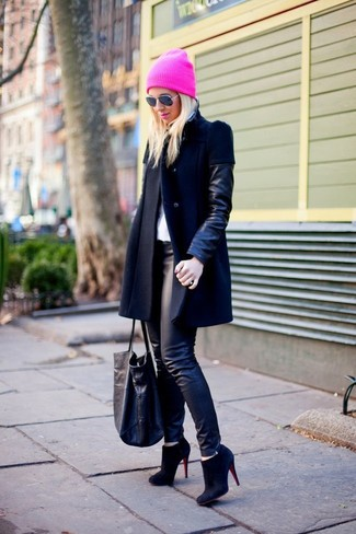 How to wear: black leather coat, black leather leggings, black suede ankle boots, black leather tote bag