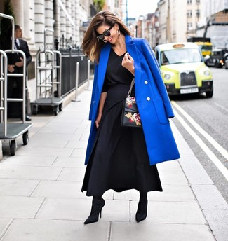 How to wear: blue coat, black long sleeve blouse, black pleated maxi skirt, black elastic ankle boots