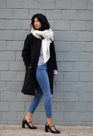 How to Wear a White Vertical Striped Scarf For Women: If you're all about being comfortable when it comes to fashion, this combo of a black coat and a white vertical striped scarf is right what you need. To add a bit of oomph to this outfit, add black leather pumps to your ensemble.