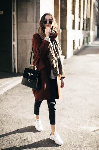How to wear: tobacco coat, grey knit oversized sweater, black ripped skinny jeans, white leather low top sneakers