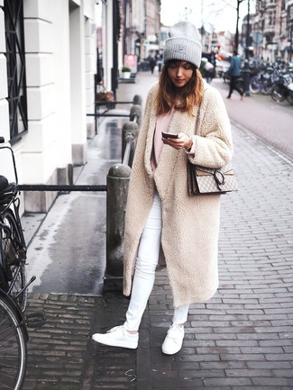 How to Wear a Grey Beanie For Women: This combo of a beige fleece coat and a grey beanie is hard proof that a simple casual outfit can still look chic. Our favorite of a multitude of ways to complete this outfit is a pair of white leather low top sneakers.