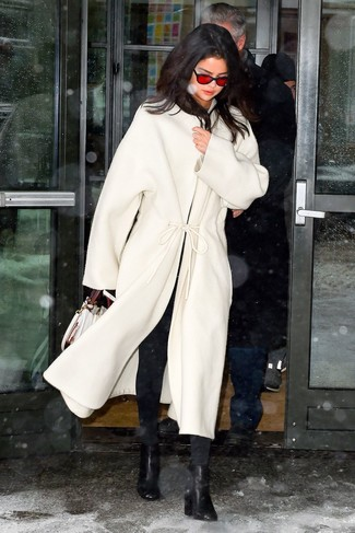 How to wear: white coat, black skinny jeans, black leather ankle boots, white leather satchel bag
