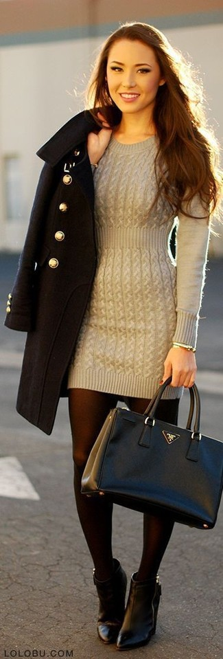 This combo of a sweater dress and a grey sweater dress epitomizes comfort without compromising style. Black leather booties are a great choice to finish off the look. So when summer is fading away and fall is in the air, this look is likely to become your number one.