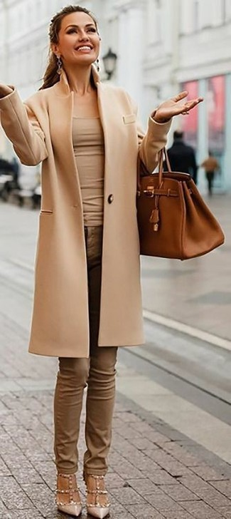 How to wear: camel coat, beige tank, brown skinny jeans, beige studded leather pumps