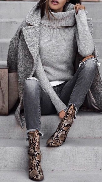 How to wear: grey coat, grey knit turtleneck, white crew-neck t-shirt, grey ripped jeans