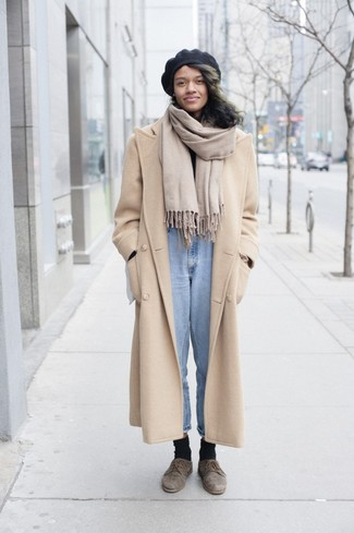 How to wear: beige coat, black turtleneck, light blue jeans, brown suede derby shoes