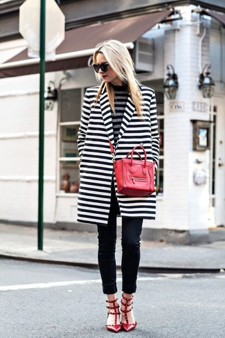 Women's White and Black Horizontal Striped Coat, Grey Horizontal Striped Turtleneck, Black Skinny Jeans, Red Studded Leather Pumps