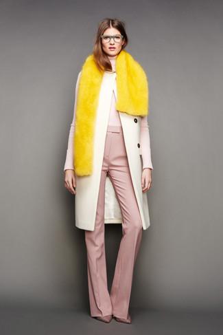 How to wear: beige coat, beige turtleneck, pink wide leg pants, pink plaid canvas pumps