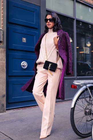 Go for a classic style in a purple coat and a Stuart Weitzman women's Fringella. Consider beige leather pumps as the glue that will bring your outfit together. An amazing example of transeasonal fashion, this ensemble is an essential when spring arrives.