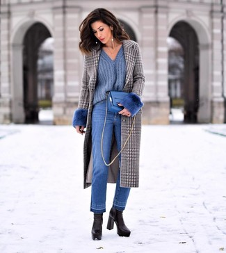 Blue Jeans Outfits For Women: This laid-back pairing of a grey houndstooth coat and blue jeans comes in useful when you need to look good but have zero time to spare. To give this outfit a sleeker finish, complement your ensemble with black leather ankle boots.