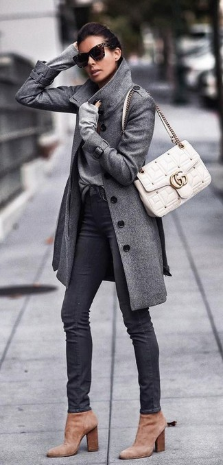 How to wear: grey coat, grey v-neck sweater, black skinny jeans, tan suede ankle boots