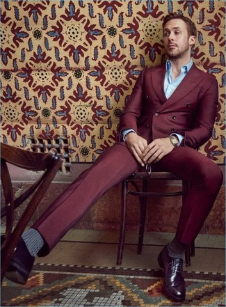 d7c6dc08ac5f Tenue de Ryan Gosling  Costume bordeaux, Chemise à manches longues ...