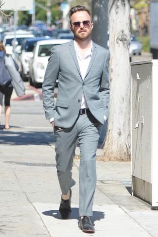 Costume gris chemise a manches longues blanche chaussures derby noires large 26289