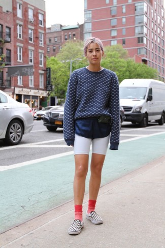 How to Wear Pink Socks For Women: Fashionable and practical, this combination of a navy and white print crew-neck sweater and pink socks will provide you with amazing styling opportunities. Take your look in a classier direction by slipping into white and black check slip-on sneakers.