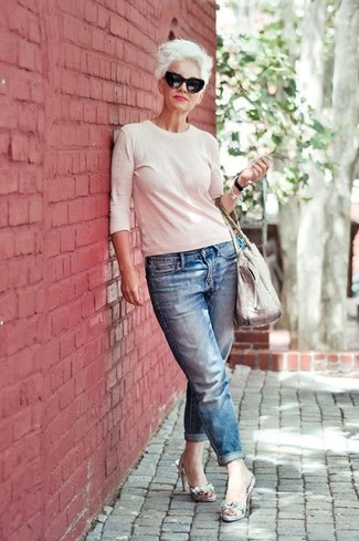 How to wear: white crew-neck sweater, blue boyfriend jeans, grey snake leather heeled sandals, white leather tote bag