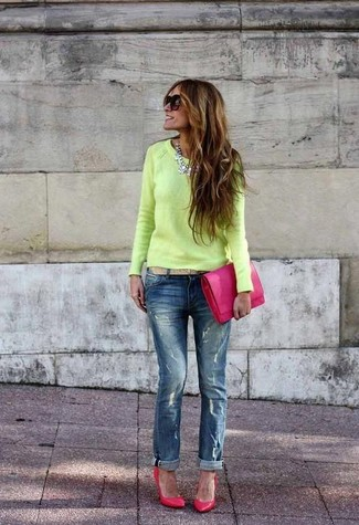 How to wear: green-yellow crew-neck sweater, blue ripped boyfriend jeans, hot pink leather pumps, hot pink leather clutch