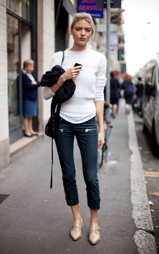 How to wear: white fluffy crew-neck sweater, white crew-neck t-shirt, navy skinny jeans, tan leather loafers