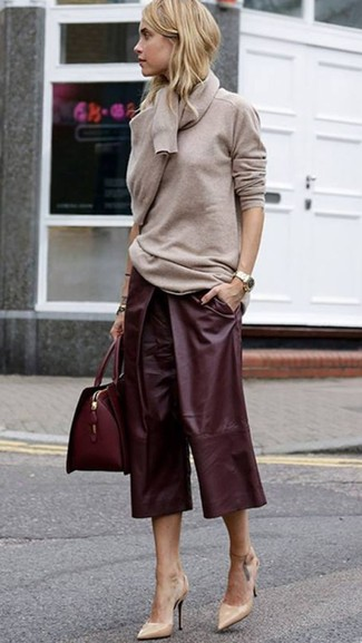 How to wear: beige crew-neck sweater, burgundy leather culottes, beige leather pumps, burgundy leather satchel bag