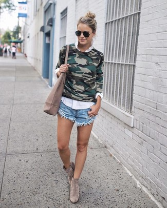 Pairing a dark green camouflage crew-neck sweater with light blue denim shorts is a comfortable option for running errands in the city. Grey suede ankle boots will add a touch of polish to an otherwise low-key look. This ensemble will quickly become your warm weather go-to.