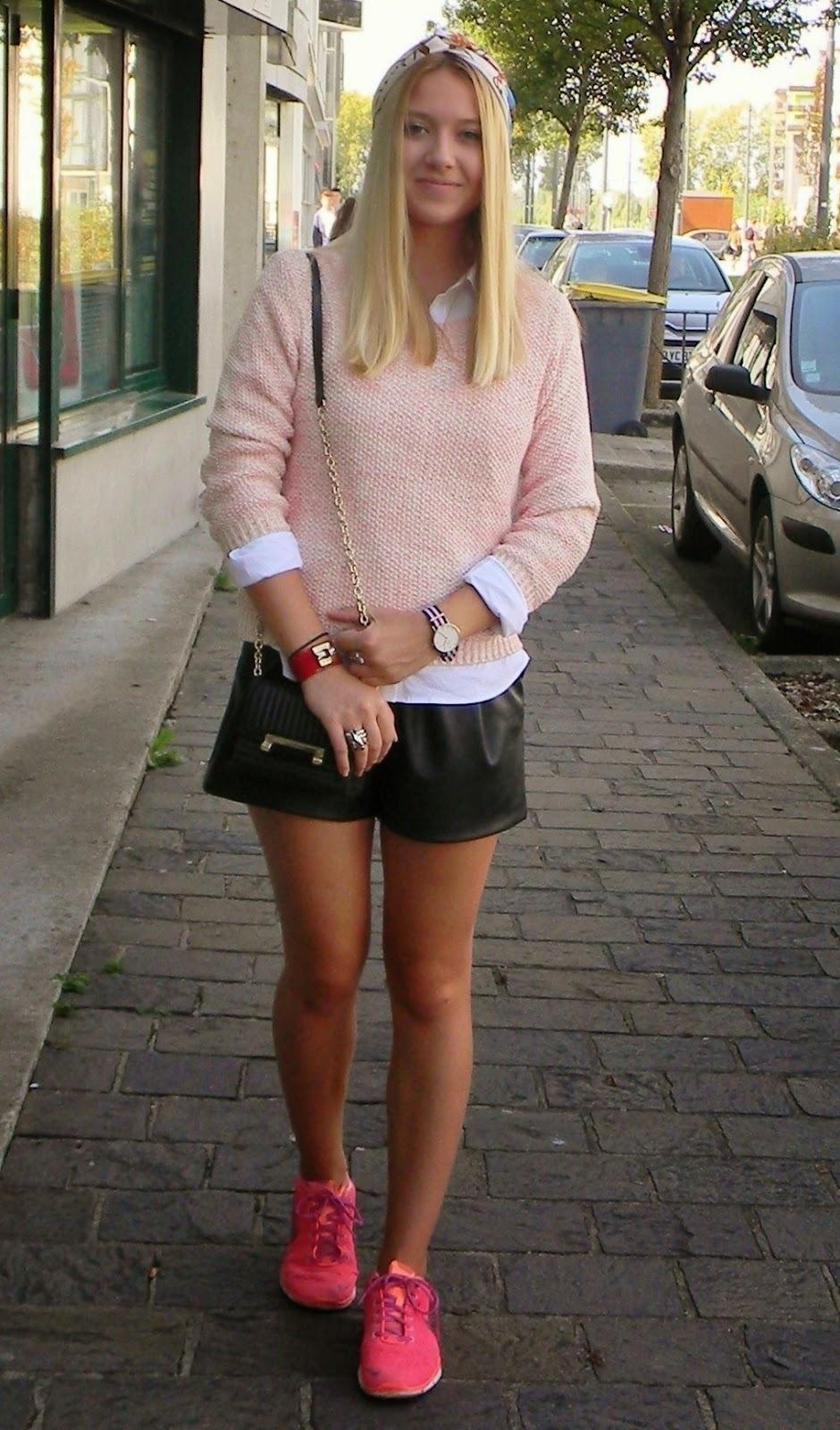 Women s Pink Crew-neck Sweater 78ae8f7e5
